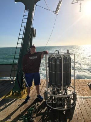 Nathan Lanning, a Hollings Scholar from the University of New Haven, participated in a five-day research cruise aboard the R/V F.G. Walton Smith, where he used a Conductivity Temperature Depth (CDT) Rosette in the waters off the southern coast of Florida. Photo: Dylan Sinnickson