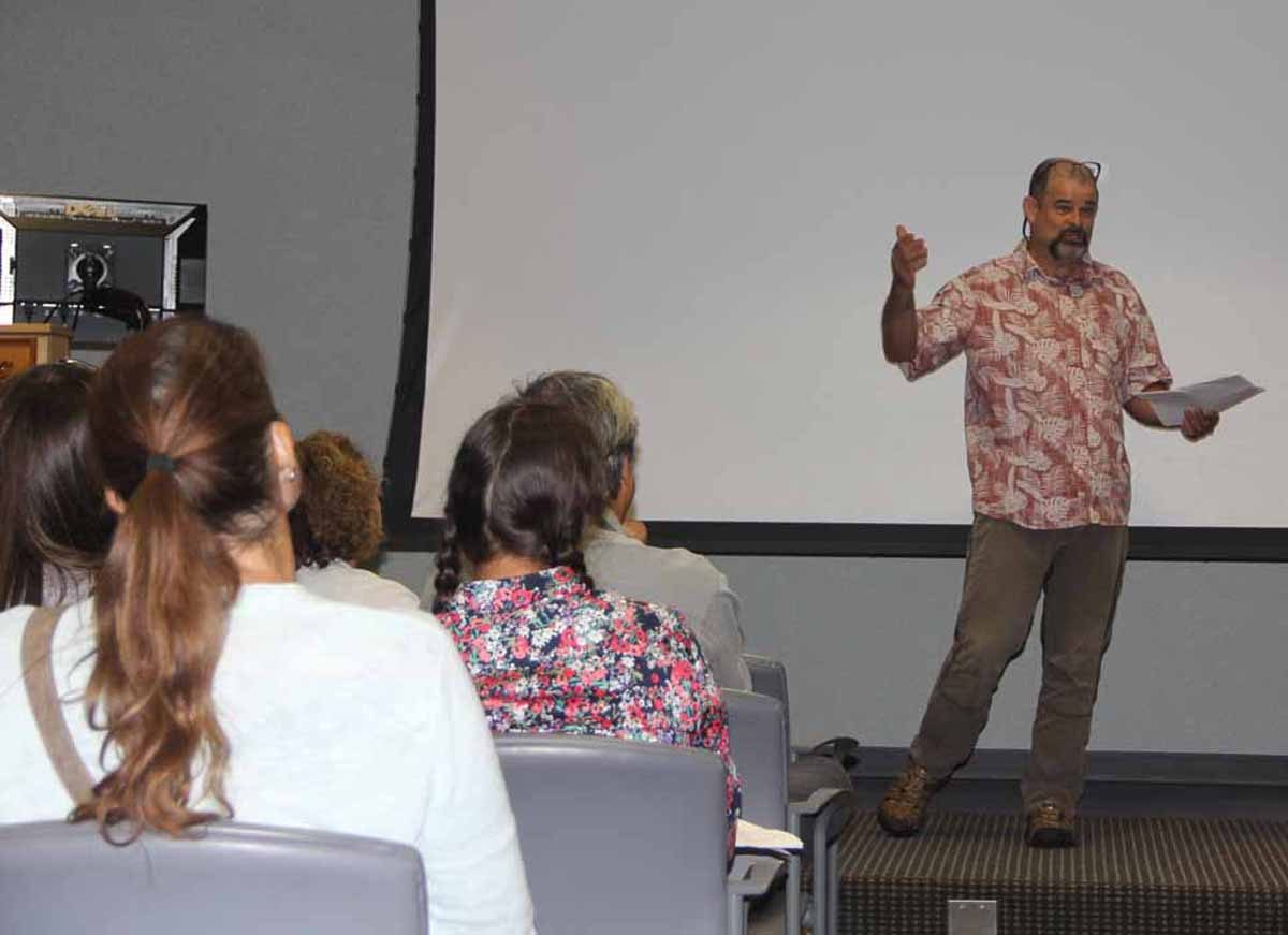Long Island Soundkeeper Bill Lucey gave the keynote address at the forum.