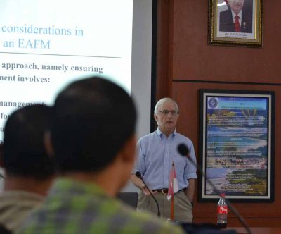 Prof. Robert Pomeroy led a discussion on fisheries management in Bogor, Indonesia, in 2018.